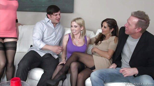 Sesso scaricare video pornhub con una bionda