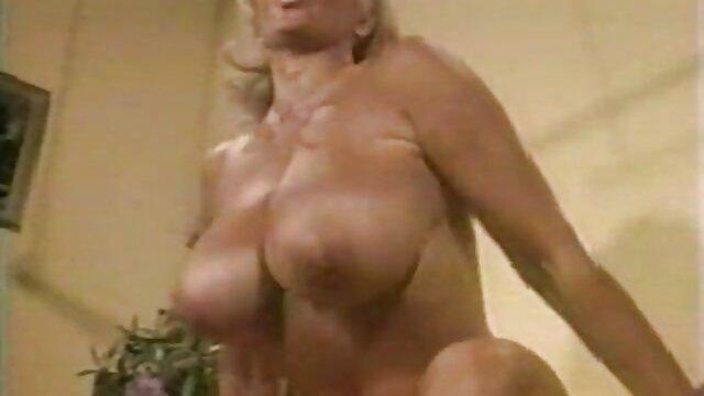 Caldo piccolo bambino a orgasmo porno gratis scaricare