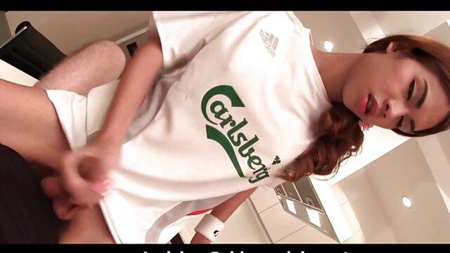 Macchina fotografica in film hard da scaricare il bagno di un maturo donne