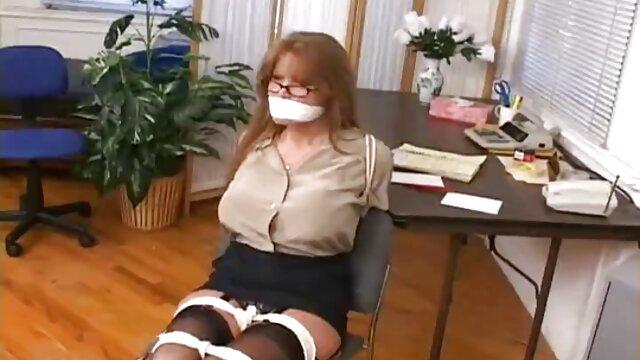 Selezione video porno scaricabili gratis della mano dopo la scuola