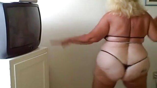 Amy una porno scaricabili gratis ragazza in esso, poi lei vuole farsi prendere nel suo buco