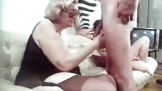 Dolce porno da scaricare massaggio diventa sesso sul tavolo